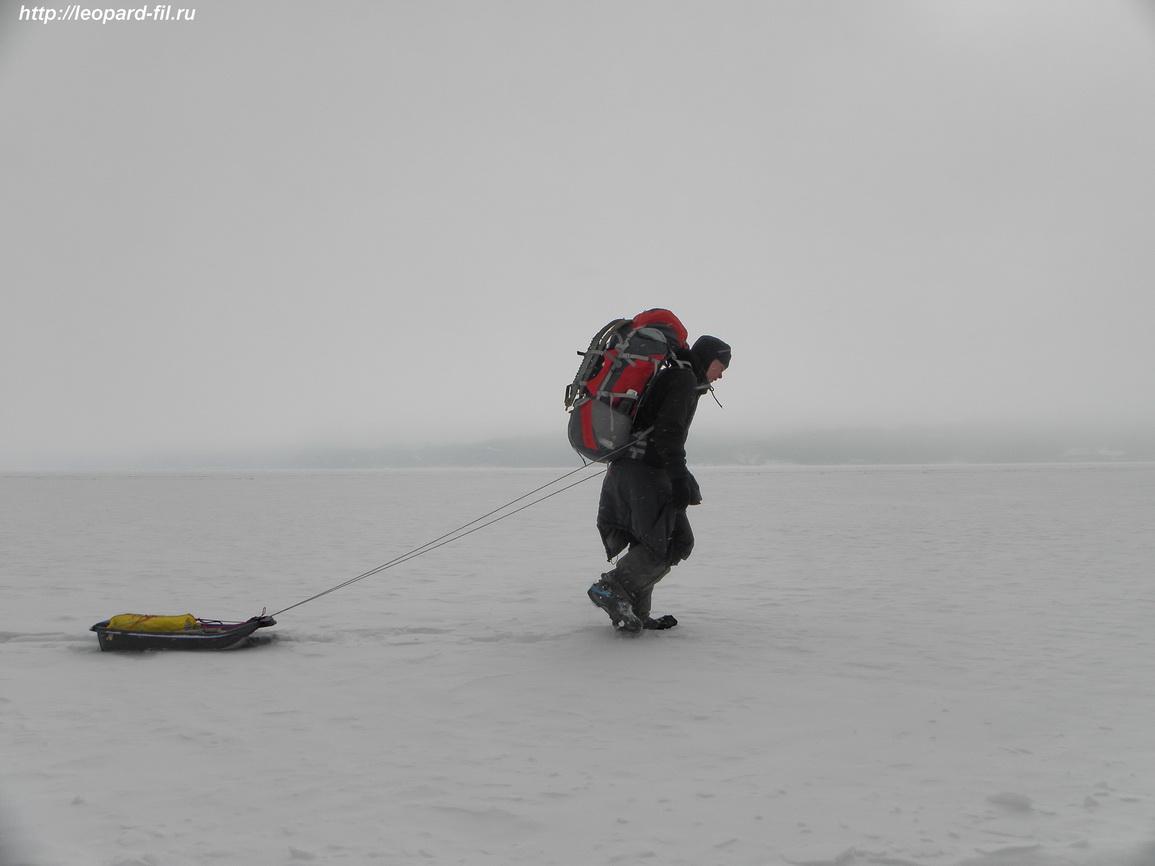 Смотрится рюкзак на спине гармонично, да и переносить при не слишком тяжёлых весах удобно.
