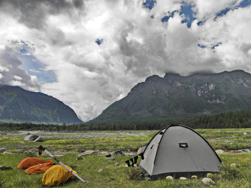 Лагерь на протоках Среднего Сакукана